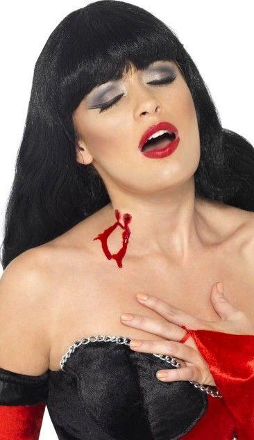 Krvavé upíři kousnutí